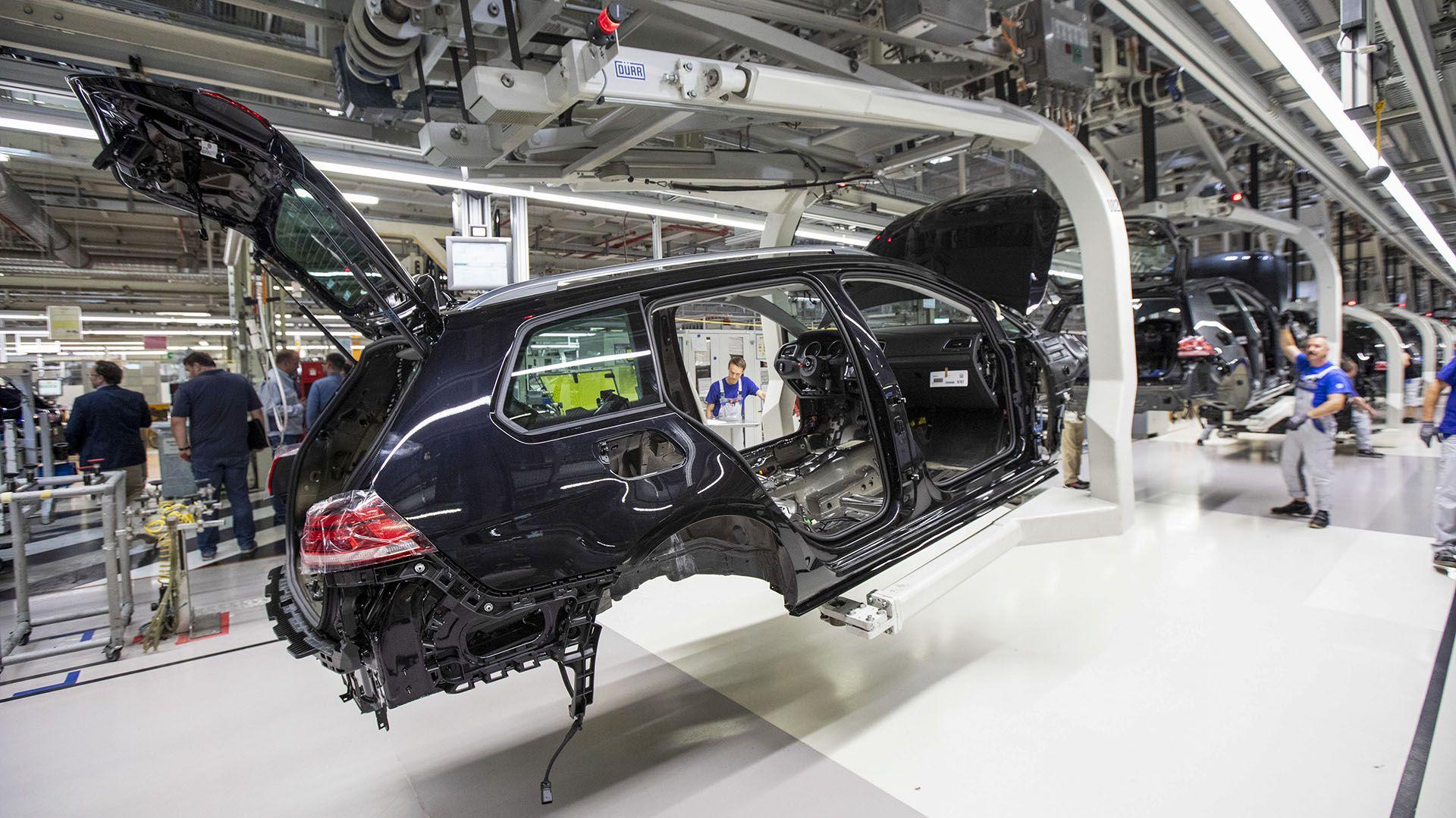 La industria automotriz está realizando avances hacia los vehículos no contaminantes