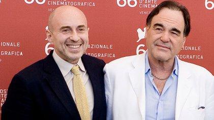 Fernando Sulichin junto a Oliver Stone