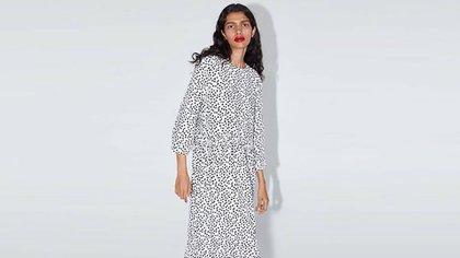 El vestido de Zara más famoso de 2019 (39,95 euros).