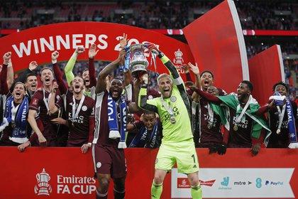 El Leicester City se impuso al Chelsea en Wembley y ganó la primera FA Cup de su historia (Foto: REUTERS)