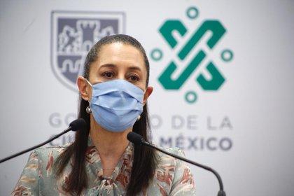 Claudia Sheinbaum llamó a la hinchada universitaria a no bajar los brazos ante la enfermedad que azota al mundo (Foto: Cortesía CDMX)