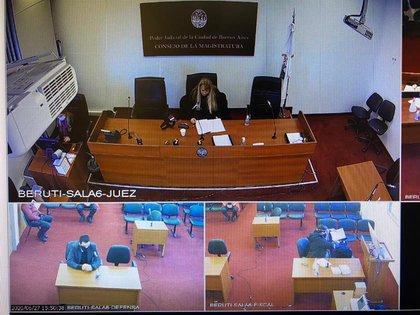 La audiencia de prisión preventiva del acusado.