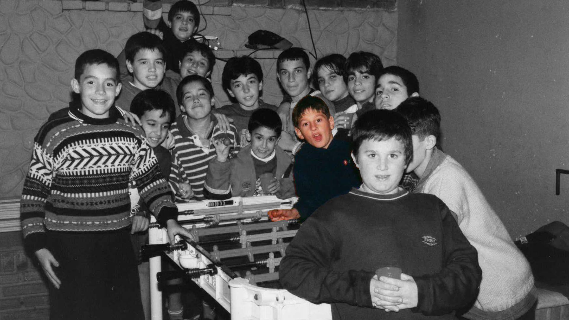 Con sus amigos de la infancia en Rosario