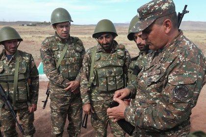 Armenia y Azerbaiyán acordaron un alto el fuego humanitario en Ngorno Karabaj (Hayk Baghdasaryan/Photolure via REUTERS)