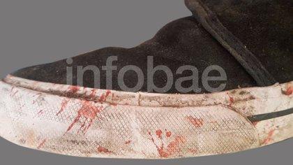 La zapatilla con rastros de sangre, que será peritada en Tierra del Fuego.