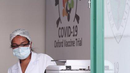 La vacuna es de la Universidad de Oxford (REUTERS)