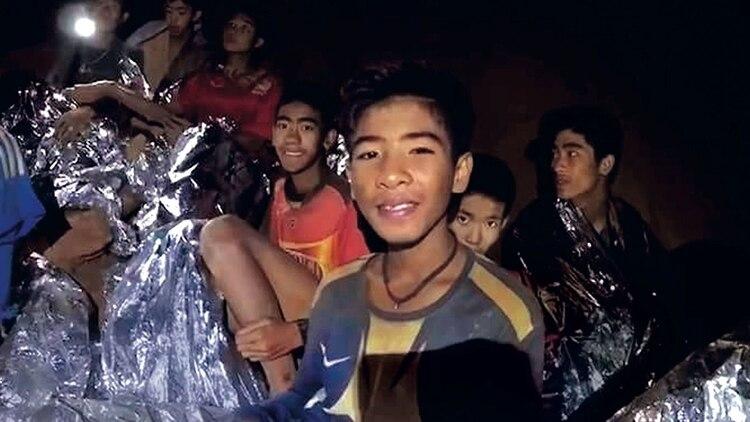 Los niños atrapado en la cueva de Tailandia, antes de ser rescatados