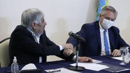 Hugo Moyano y Alberto Fernández, juntos en el Día del Camionero