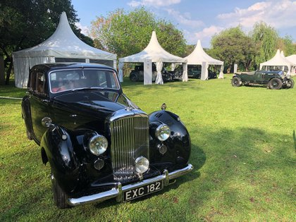 Un Bentley R Type Continental Coupe de 1952. La marca celebra sus 100 años con un importante stand