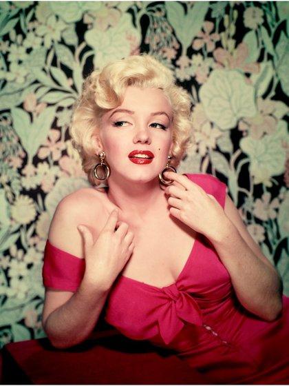 El clásico rojo intenso del cual era fanática Marilyn Monroe es percibido por los hombres como un arma de seducción