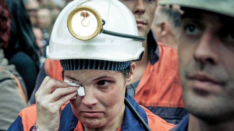 Las mujeres, a la par de sus compañeros varones en el sector de la minería. Foto: Fernando Calzada.