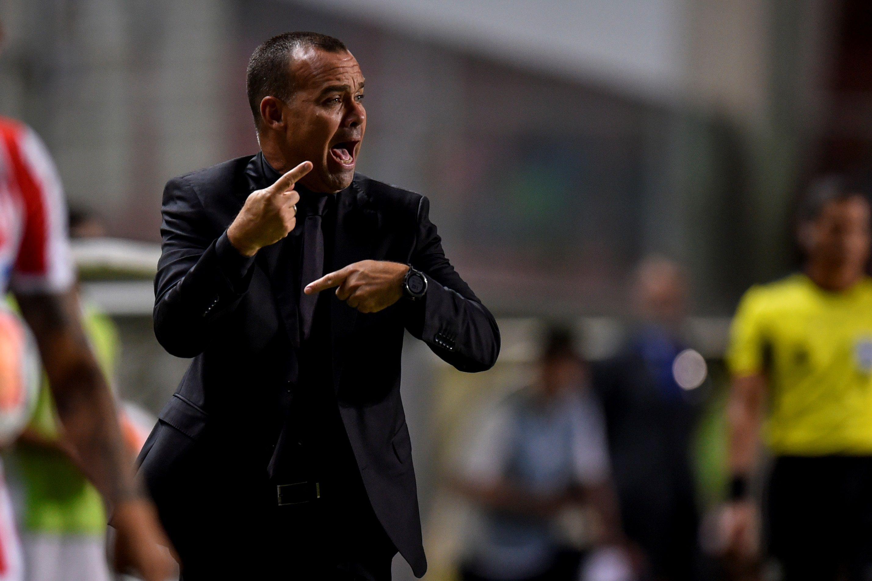 Fotografía de archivo en la que se registró al entrenador venezolano Rafael Dudamel, técnico del club colombiano de fútbol Deportivo Cali. EFE/Yuri Edmundo