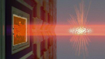 28/09/2020 La luz se propaga a través de la nube atómica que se muestra en el centro y luego cae sobre la membrana de SiN que se muestra a la izquierda. POLITICA INVESTIGACIÓN Y TECNOLOGÍA NIELS BOHR INSTITUTE