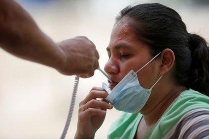 Los casos confirmados siguen aumentando, de acuerdo con los datos proporcionados por la Secretaría de Salud (SSa) (Foto: REUTERS / Daniel Becerril)