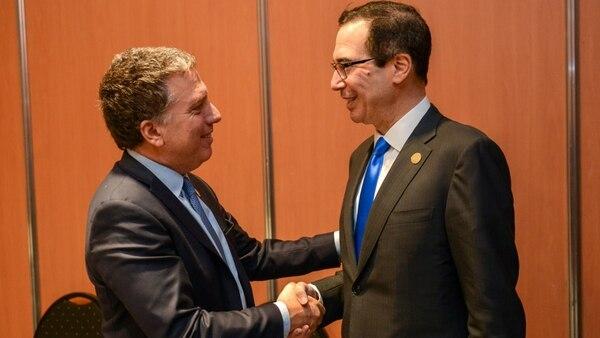 El ministro Nicolás Dujovne y el secretario del Tesoro de EEUU, Steven Mnuchin