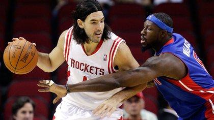 Luifa Scola tuvo un destacado paso por Houston Rockets (AP)