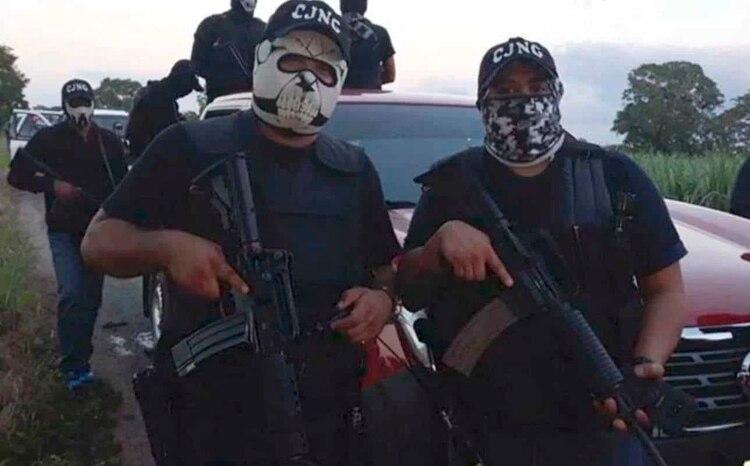 Antes del ataque a Zamora en mayo, el CJNG subió un video a redes sociales donde se aprecia el convoy de sicarios, en lo que interepetrado como un reto al gobierno de López Obrador (Foto: Captura de Pantalla)