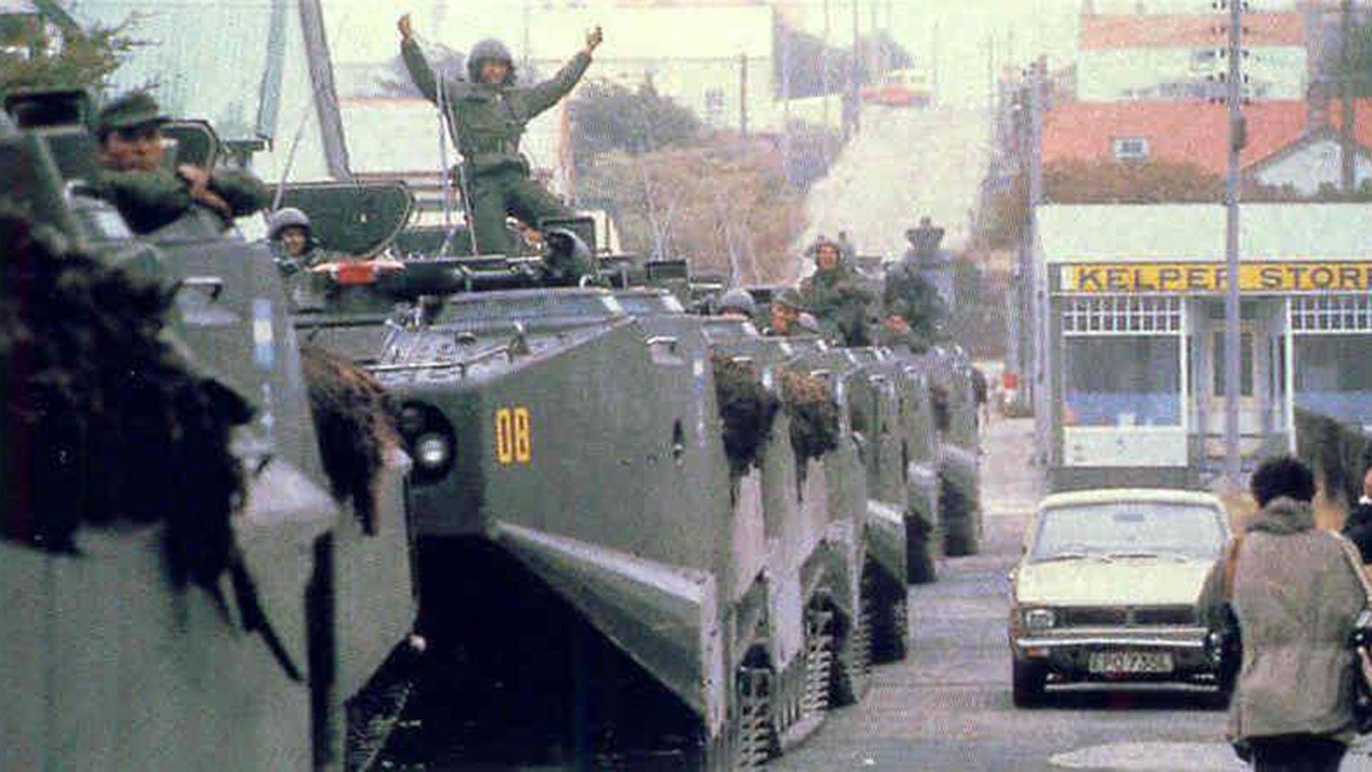 La Operación Rosario: 2 de abril de 1982, la Argentina recupera las islas Malvinas. El ARA Piedrabuena participó de la acción en rol de apoyo