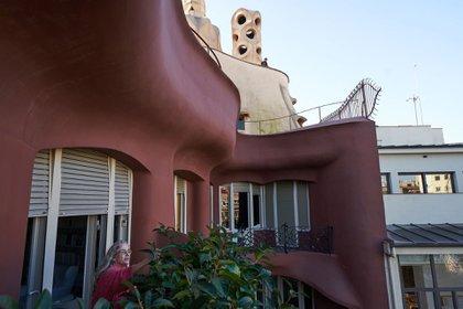 Gaudí incluyó en La Pedrera características que en aquella época eran novedosas, como un elevador y agua corriente en cada apartamento (Samuel Aranda para The New York Times)