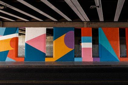 Bajo autopista – Av. Gral. Paz y Gutiérrez – Artista: Chu Doma