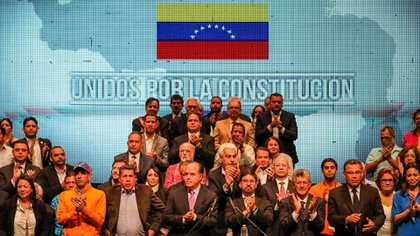 Miembros de la Mesa de la Unidad Democrática (MUD) (EFE)
