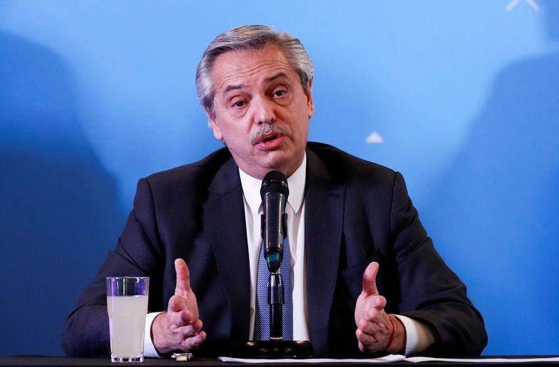 Foto de archivo. El presidente Alberto Fernández (Reuters/Agustín Marcarián)