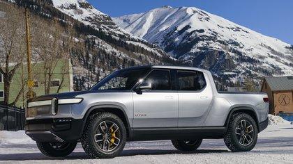 La pick up Rivian eléctrica tiene una motor por cada rueda: llega a los 750 caballos.