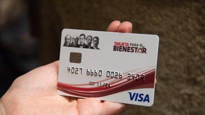 El depósito se realiza a través de las tarjetas del banco Bienestar. (Foto: Cuartoscuro)