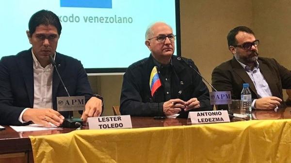 Lester Toledo, Antonio Ledezma y José Ignacio Guedez, durante su rueda de prensa en Madrid