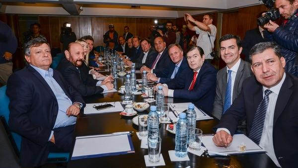 Los gobernadores, en la mesa de negociaciones (Fotos: Julieta Ferrario)