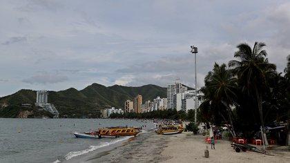 En la imagen, una playa en Santa Marta (Colombia). EFE/Leonardo Muñoz/Archivo