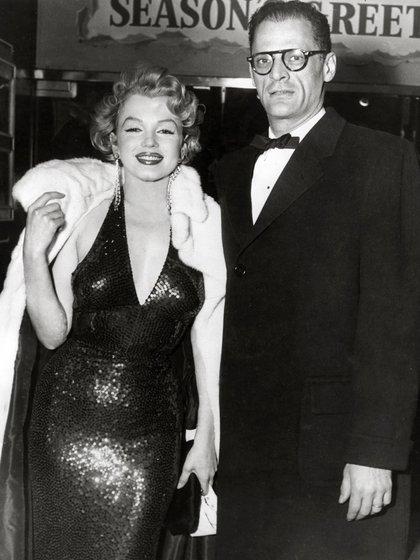 Marilyn Monroe y Arthur Miller (Grosby Group)