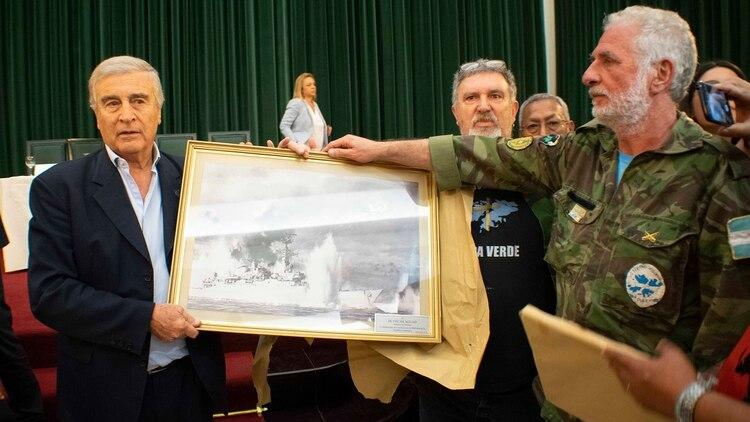 Aguad junto a ex combatientes de Malvinas