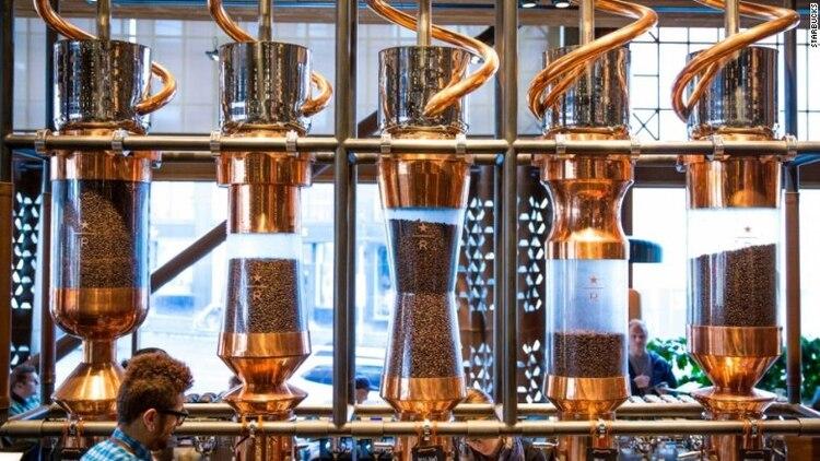 La cafetería mostrará a los clientes como tostar y mezclar en casa su propio café
