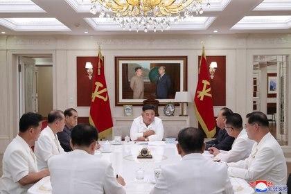 Aseguran que Kim Jong-un cada vez delega más en su círculo íntimo (KCNA via REUTERS)