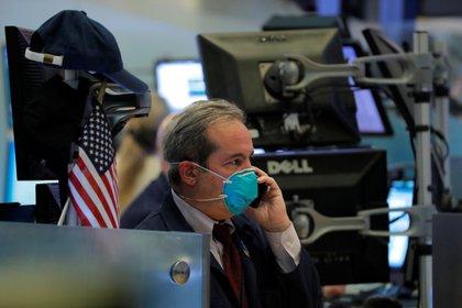 Buenos datos económicos de China y la expectativa de mayor estímulo en Estados Unidos sostienen a Wall Street