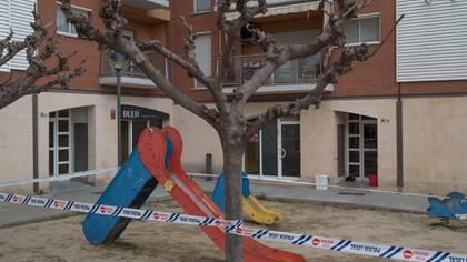 La policía cerró un parque de juegos en Capellades, cerca de Igualada, España (Samuel Aranda/The New York Times)