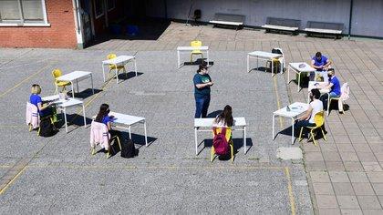 El texto establece las pautas del retorno a las aulas y las etapas en las que volverán los estudiantes (Foto: Maximiliano Luna)