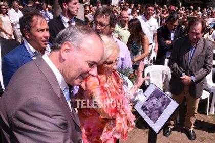 La diva se emocionó al ver una vieja foto junto a Goldy