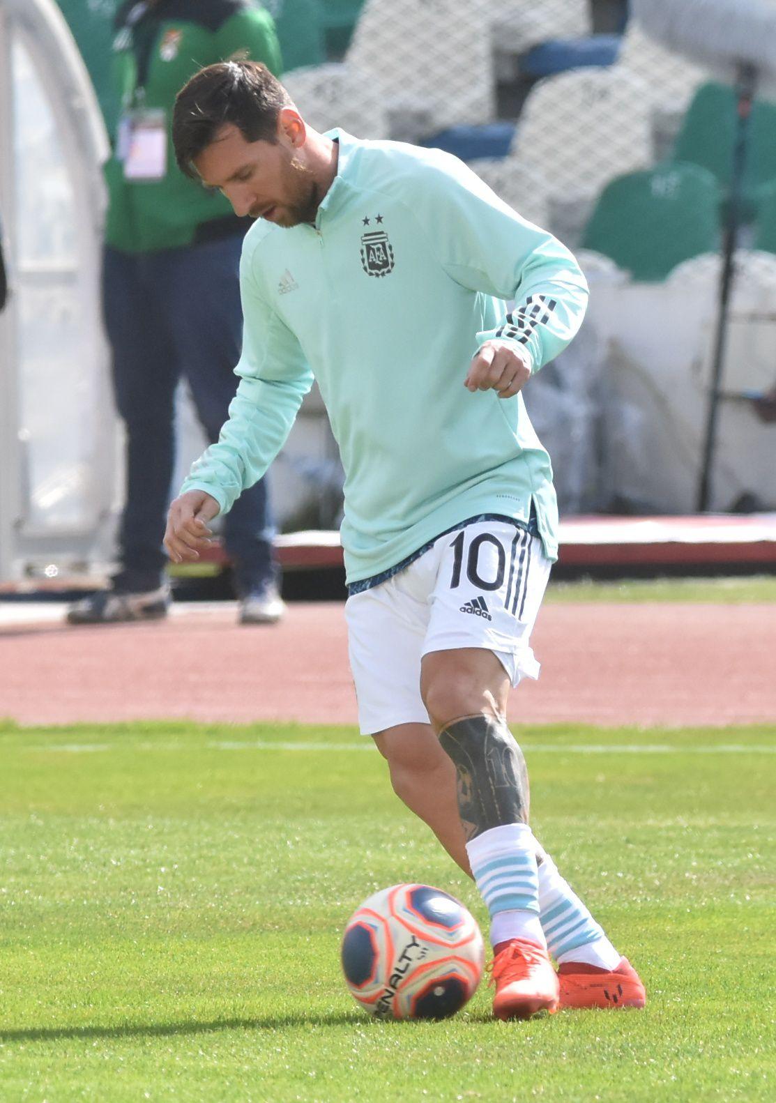 Fue el tercer partido de Messi en la Paz, antes había jugado por las Eliminatorias de 2010 y 2014. Para las de 2018 no estuvo por suspensión