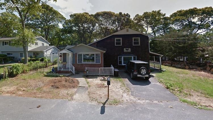 La vivienda en Olive Street 75 de Lake Grove, Long Island, que escondía una verdad macabra