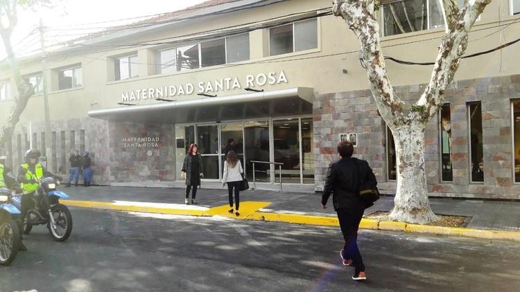 La maternidad Santa Rosa se encuentra en Martín Haedo, Florida Oeste, Vicente López, Buenos Aires