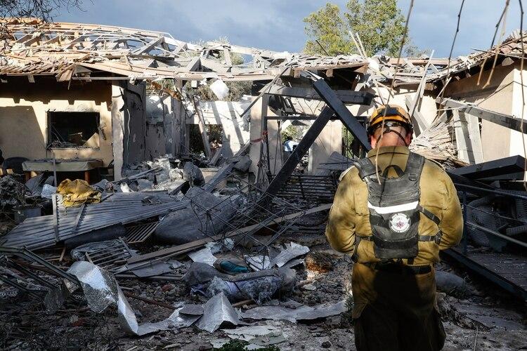 Así quedó la vivienda en Tel Aviv tras la caída del cohete(AFP)