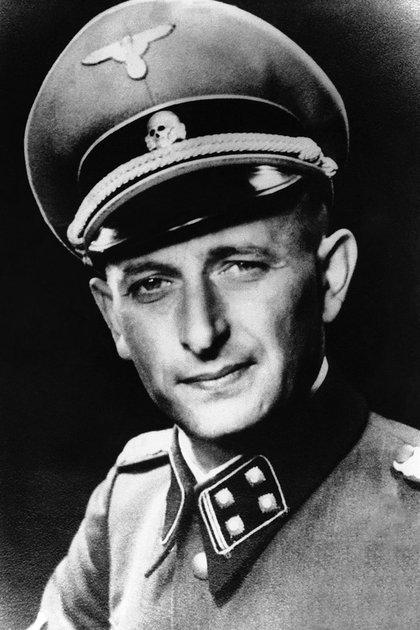 Adolf Eichmann, con su uniforme de las SS