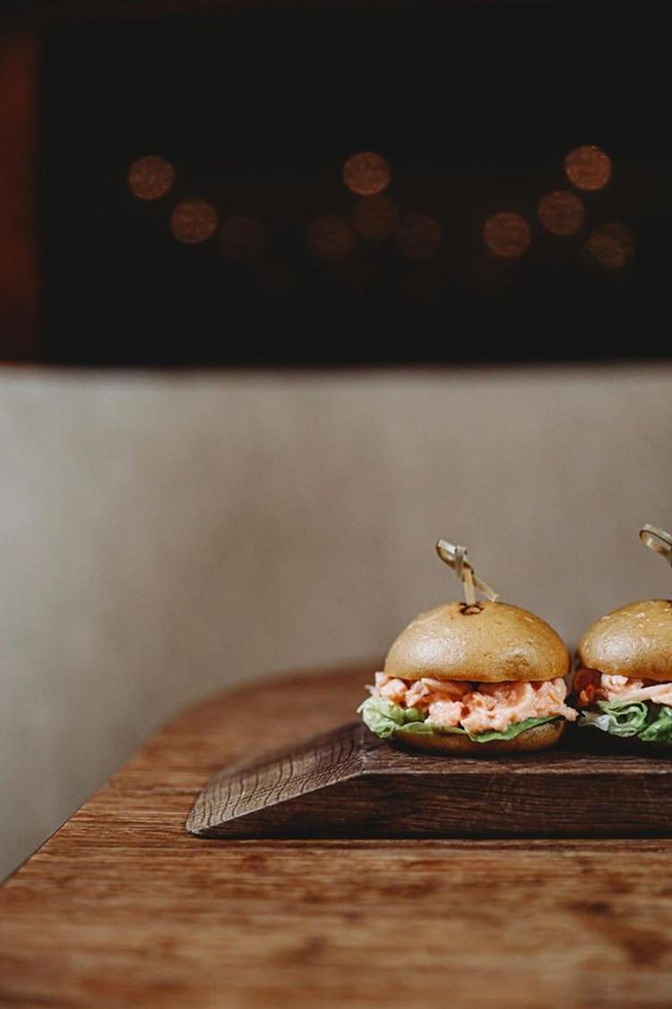 Hamburguesas con salmón, la alternativa de Dinings SW3 (Dinings SW3)