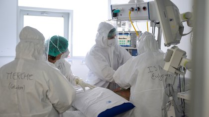 """""""Tenemos reservas para 24 horas"""": hospitales de Santander piden desbloqueo de vías para transportar el oxígeno"""
