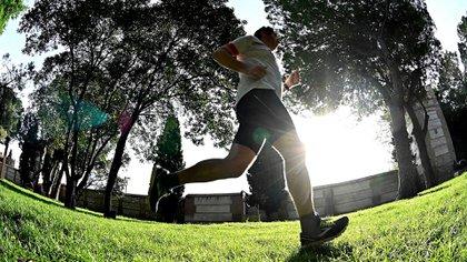 Se analiza permitir salidas para hacer ejercicio físico después de las 20 horas