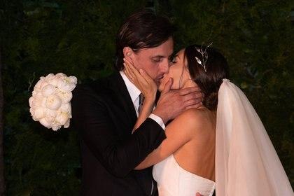 Pampita y García Moritán, enamorados después de dar el sí (Franco Fafasuli)