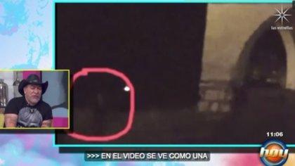 Trejo entrevistó a personas de la localidad que aseguraron haber visto huellas sospechosas (Foto: captura de pantalla)