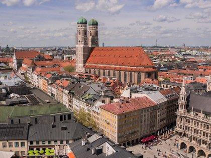 A menudo eclipsada por Berlín, muchas personas piensan que Múnich es únicamente el hogar del Oktoberfest, sin embargo hay mucho más que ver y hacer en la capital de Baviera